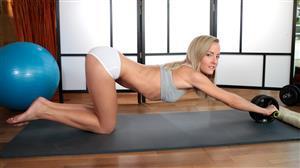 nubiles-18-01-09-sicilia-yoga-cutie.jpg