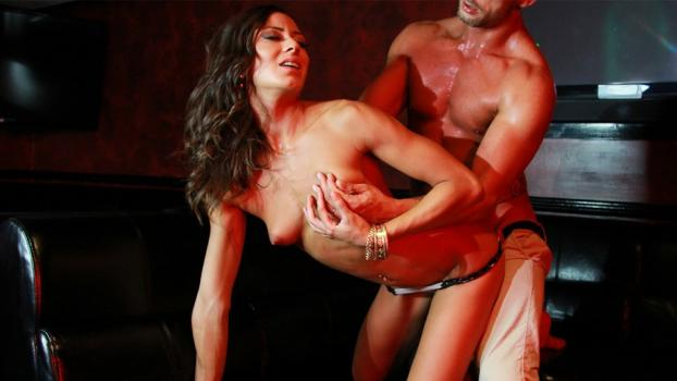 dorcelclub-18-01-12-cassie-del-isla-for-her-lovers-pleasure.jpg