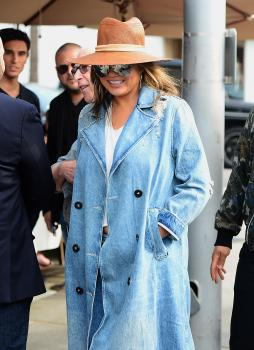 Chrissy Teigen leaving Il Pastaio in Beverly 1