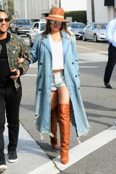 Chrissy Teigen leaving Il Pastaio in Beverly 13