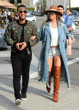 Chrissy Teigen leaving Il Pastaio in Beverly 19