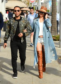 Chrissy Teigen leaving Il Pastaio in Beverly 22
