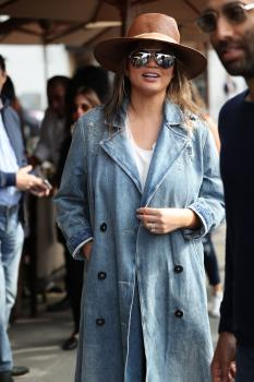 Chrissy Teigen leaving Il Pastaio in Beverly 28