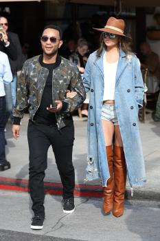Chrissy Teigen leaving Il Pastaio in Beverly 33