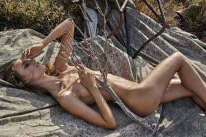 Stepper nude maya Maya Stepper