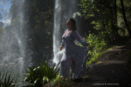 Scarlett-Morgan-In-Paradise--r6r3jhamyc.jpg