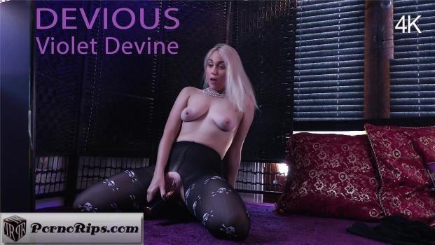 girlsoutwest-18-01-26-violet-devine.jpg