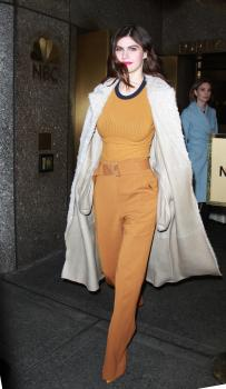 Alexandra-Daddario-outside-of-AOL-Live-in-NYC-1%2F29%2F18-g69qqu8bdc.jpg