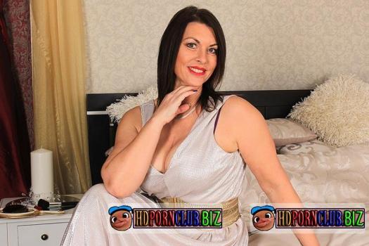 Mature.eu/Mature.nl – Christine O. (EU) (47) – British big breasted MILF fucking and sucking [FullHD 1080p]