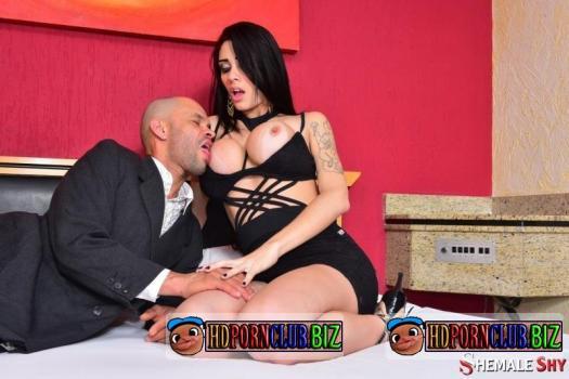 ShemaleShy – Grazi Cinturinha – Fuck with sexy Brazilian shemale Grazi Cinturinha [SD 480p]
